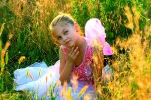 girl-811575_1280